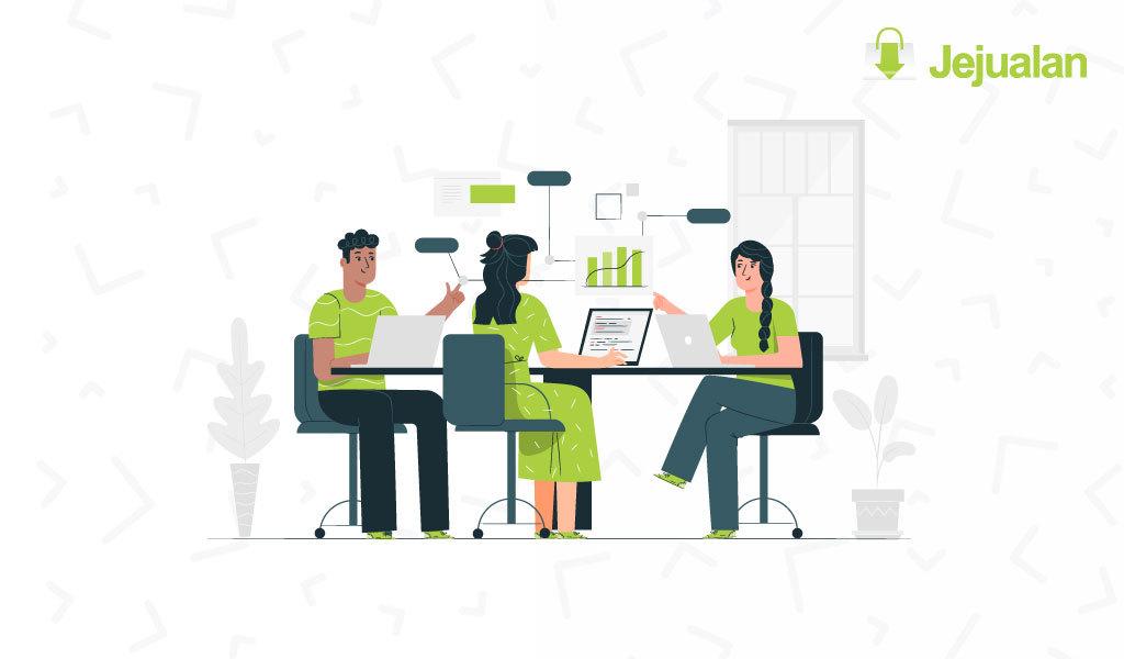Strategi Pemasaran Produk Secara Offline Dan Online